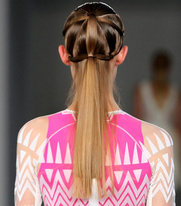 Top Ponytail and Side-Parting Hair Trends for Summer 2012