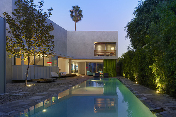 A Modern and Vibrant Home in West Hollywood (9)