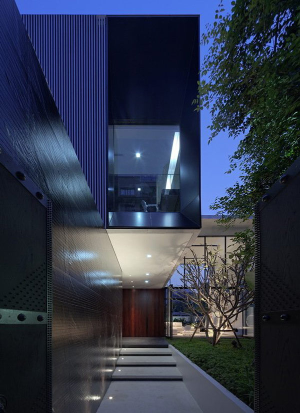 The YAK01 House in Bangkok: L Shaped Modern Family House… (18)
