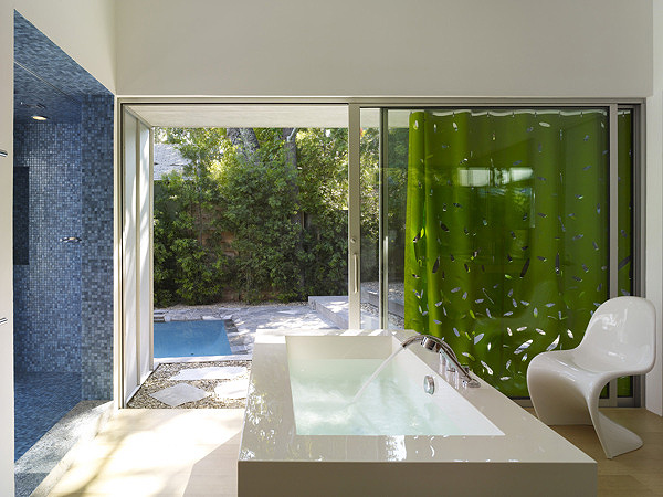 A Modern and Vibrant Home in West Hollywood (8)