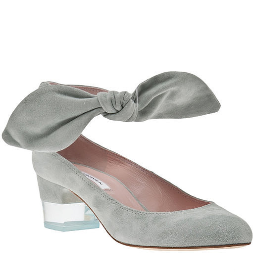 Best Shoes to Wear on Wedding Day for Tall Brides (8)