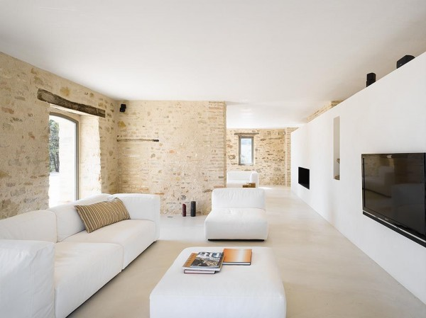 300 Year Old Farm House or All New Living Space? (5)