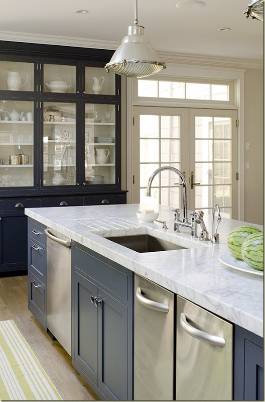 Amazing Timeless Shade of a Kitchen (6)