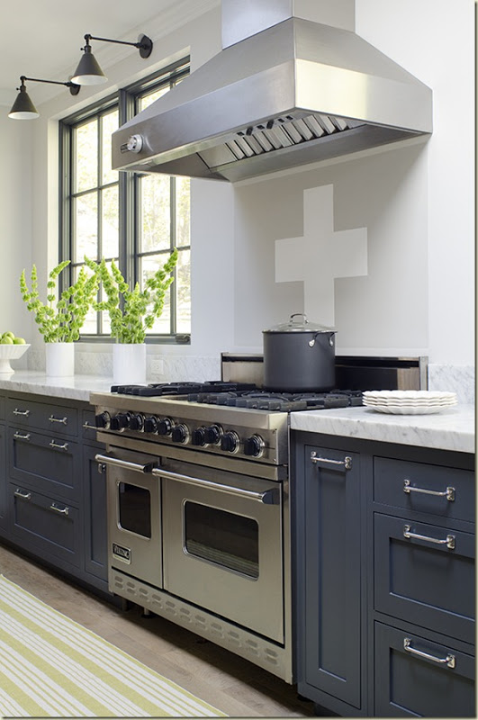 Amazing Timeless Shade of a Kitchen (4)