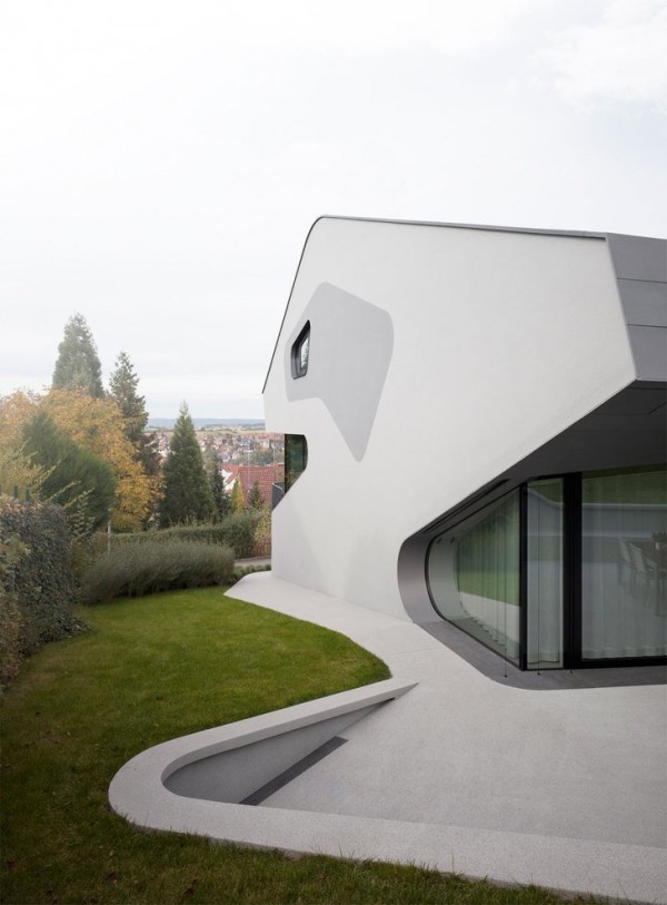 A Futuristic House Design in Stuttgart, Germany: The OLS House (14)