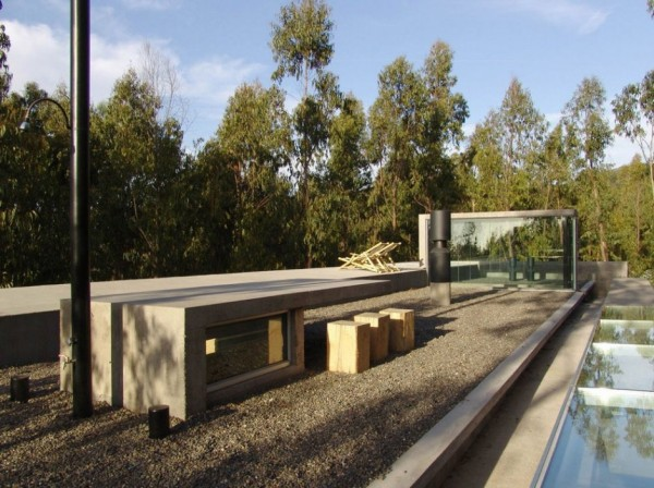 An Urban Playful House in Chile (5)