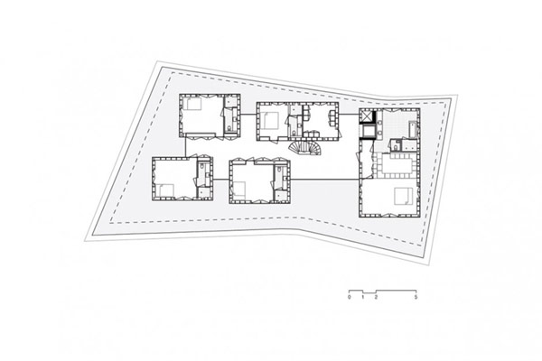 VILLA L: Great Fragmentation in a Single Construction (2)