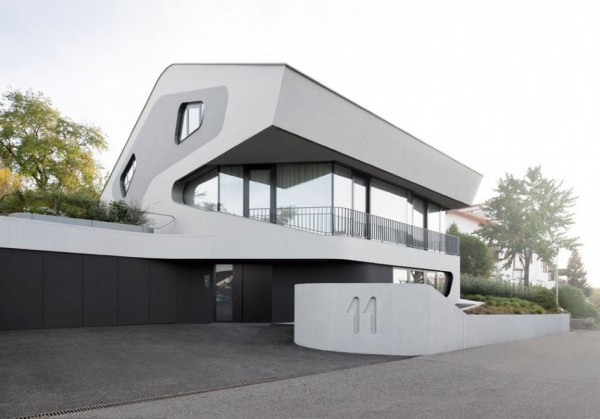 A Futuristic House Design in Stuttgart, Germany: The OLS House (18)