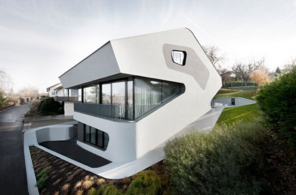 A Futuristic House Design in Stuttgart, Germany: The OLS House (16)