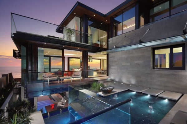 Strand Residence: Pond, Reflection and Glass (6)