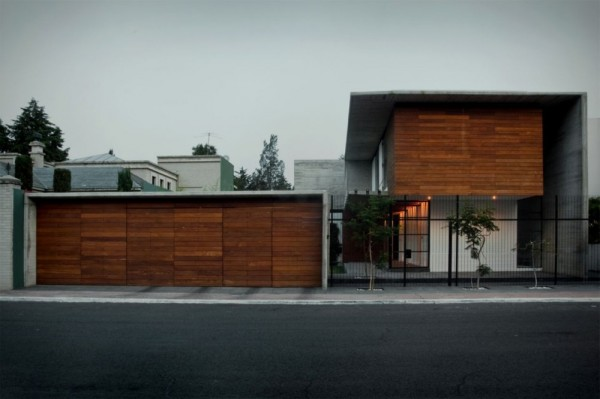 Modern Volumetric House Including Industrial Section in Mexico (3)