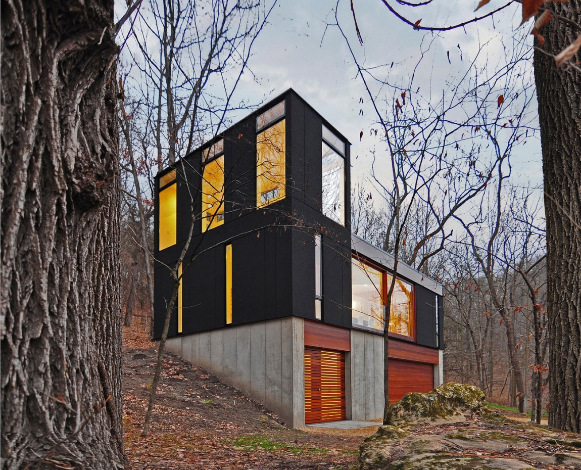 Economical Friendly Cabin for Family surrounded by Wood in Wisconsin (1)