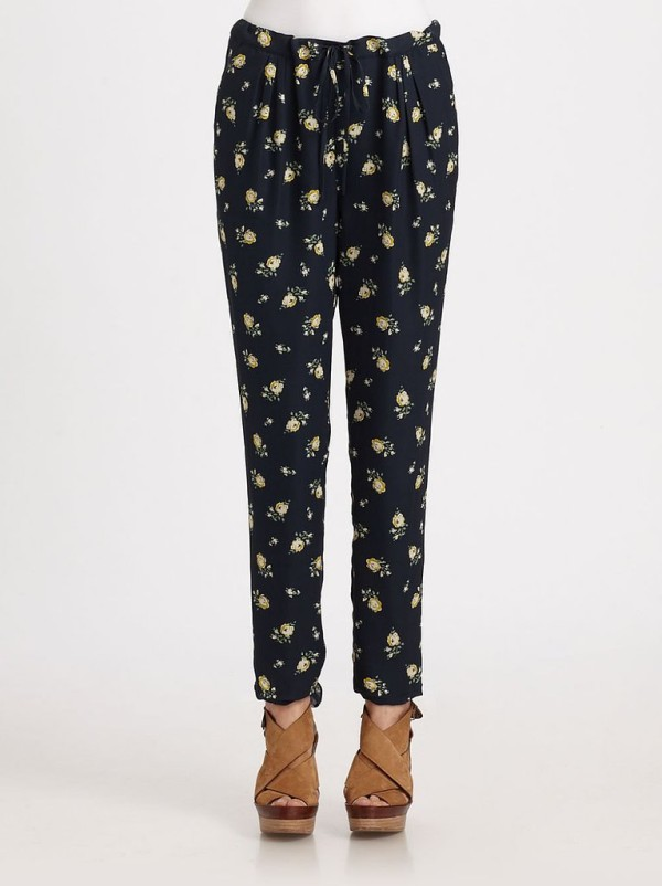 Try These Slouchy Printed Pants (5)
