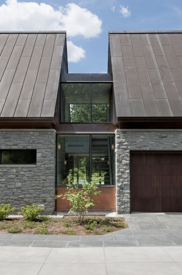 An Amazing Cool House in Canada (25)