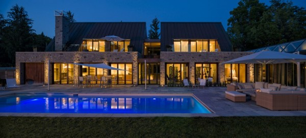 An Amazing Cool House in Canada (17)
