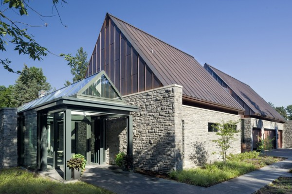 An Amazing Cool House in Canada (13)