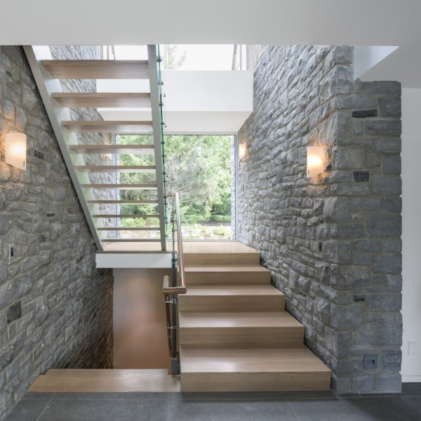 An Amazing Cool House in Canada (10)