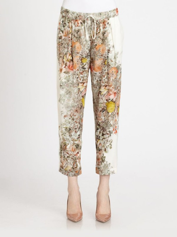 Try These Slouchy Printed Pants (4)