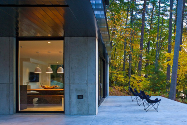 Lake Side Modern House in Vermont (1)