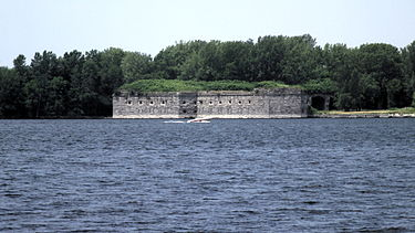 375px-Fort_Montgomery_Rouses_Point_NY