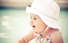cute_baby_with_hat-t1