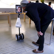 You See How A Lady For The first Time Happily Sends A 'robot' To Line For New iPhone6